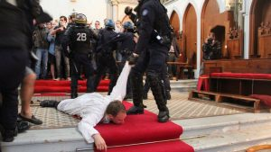 priestpolice