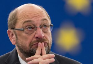 epa05603236 Martin Schulz, President of the European Parliament, delivers his speech before the Key debate about the Conclusions of the European Council meeting of 20 and 21 October, at the European Parliament in Strasbourg, France, 26 October 2016.  EPA/PATRICK SEEGER